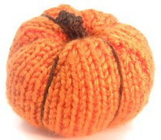 Ravelry: knitted pumpkin pattern by Shellie Wilson