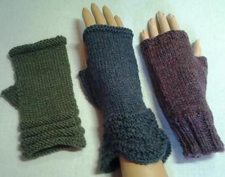 Fingerless Gloves Knitting Pattern Magic Loop : Ravelry: 3 Magic Loop Patterns for Fingerless Gloves ...