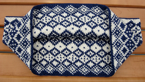 Allotrope_blue_cowl_10_medium