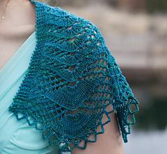 Undine-shawlette_detail4_small
