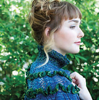Ruffled_capelet_pic2_small2