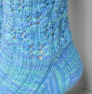 Pattern_379_closeup_big_small2