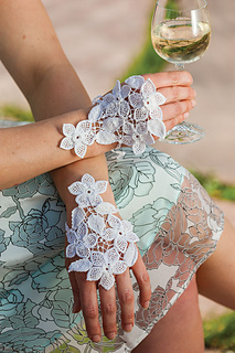Wedding_gloves_treanor1_small2