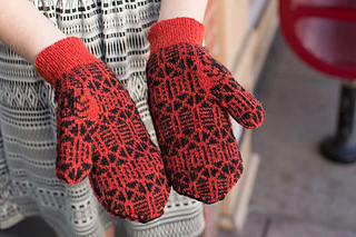 Knitscene-03-12-14-urban-legands-0175_small2