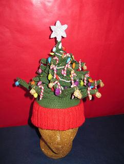 Christmas_tree_beanie_c_small2