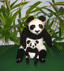 Panda_and_baby_best1_small