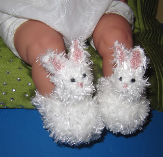 Baby_fluffy_bunny_boots_knitting_pattern_by_madmonkeyknits1_small2