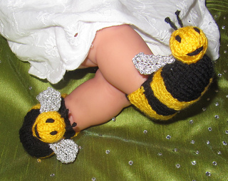 Baby_buzzy_bee_boots_knitting_pattern_by_madmonkeyknits5_small2