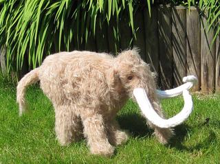 Mammoth_woolly_mammoth_by_madmonkeyknits10_small2