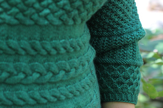Henri_knitting_pattern_ann_leachman_holla_knits_springtree_road_praline_dk11_small2