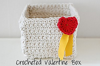 Crochetedvalentinebox_small2