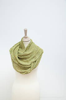 Greenshawl_maliamather-5793_small2