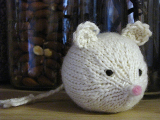 Knitted_mouse_45_small2