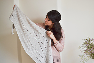 Hollowsshawl3_small2