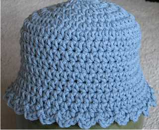 Blue_baby_hat_small2