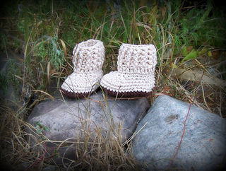 Baby_shoes_002_small2