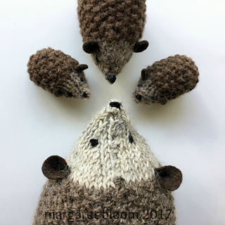 Small Hedgehog Knitting Pattern : Ravelry: Hans my Hedgehog Size Large pattern by Margaret Bloom