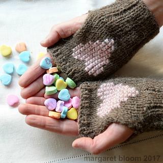 Heartmittsxo_small2