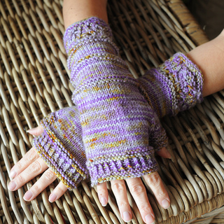 Rosaleen_mitts_small2