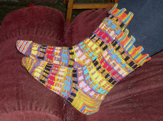 Jackson_pollack_socks_small2