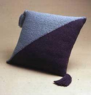 Diagonal_pillow_small2
