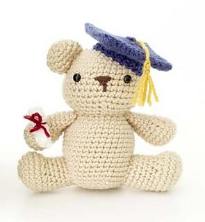 Amigurumi Yarn Type : Ravelry: Amigurumi Graduation Bear pattern by Lion Brand Yarn