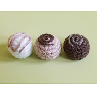 Ravelry: Amigurumi Bon-Bon Magnets pattern by Lion Brand Yarn