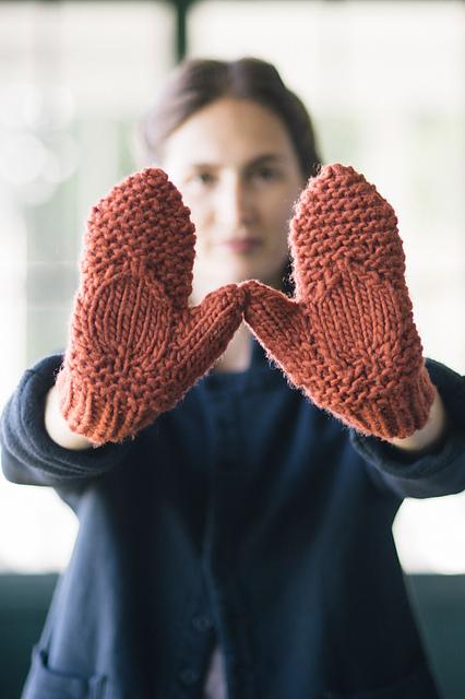 Mitaines tricotées Bearberry par Melissa LaBarre