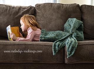 Child_mermaid_tail_knitting_pattern_1_-_logo_small2