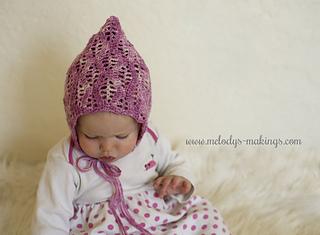 Lacy_leaf_bonnet_crochet_pattern_small2