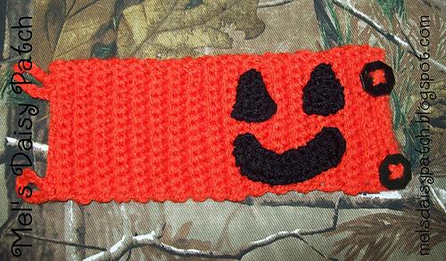 Jack_pumpkin_mug_hug_3_medium