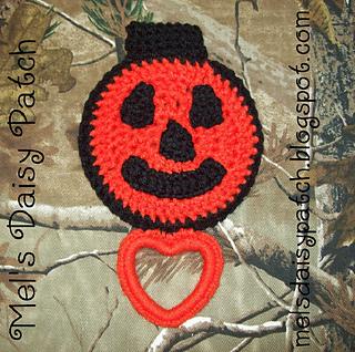 Jack_pumpkin_towel_holder_3_small2