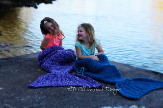 Fun_girl_mermaids_small2