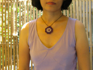 Crochet_pendant_003_small2