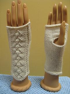 Fingerless Gloves Knitting Pattern Dk : Ravelry: DK Fingerless Mitts pattern by Clara Masessa