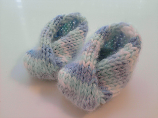 No_button_baby_booties_small2