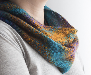 Handspun_cowl__2_of_3__small2