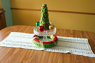 Bos_runner_tree_wreath_all_in_center-shannon_small2