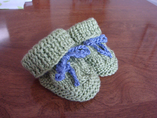 Ravelry: Two Needle Cable Knit Baby Booties pattern by Barbara Breiter