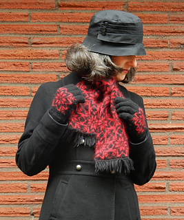 Scarf-and-gloves_small2