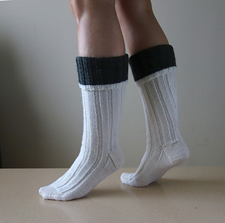 Hunting_socks_cuff_side_small2