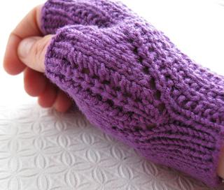 Glove003a_small2
