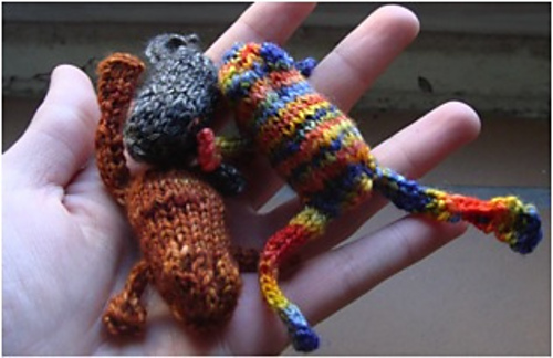 Ravelry: Mini-Frog Knitting Pattern pattern by Meredith Swartwout