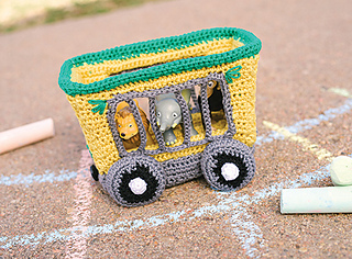 Animal_train_car_crochet_pattern_small2