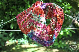 Crochet_girl_cowl_small2