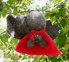 Batty_in_tree_small
