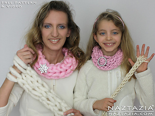 Arm-knitting-scarf-finger-knitting-infinity-scarf-cow-easy-simple-basic-free-pattern_small2