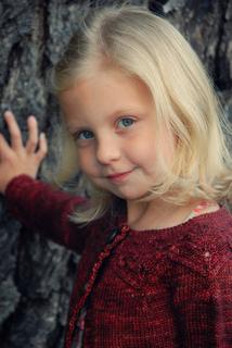 Ava_in_little_oak_small2
