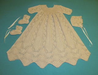 Dayflower_christening_gown_may_2012_002_small2