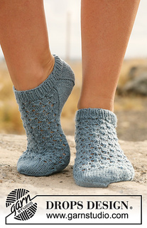 Ravelry 129 18 Knitted Ankle Socks With Lace Pattern By